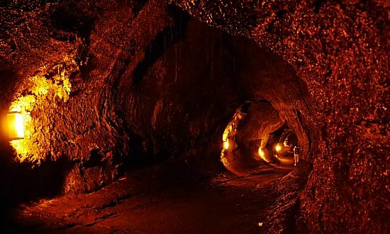 キラウエア火山溶岩洞窟