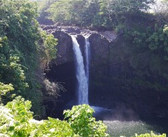 レインボー滝 ハワイ島