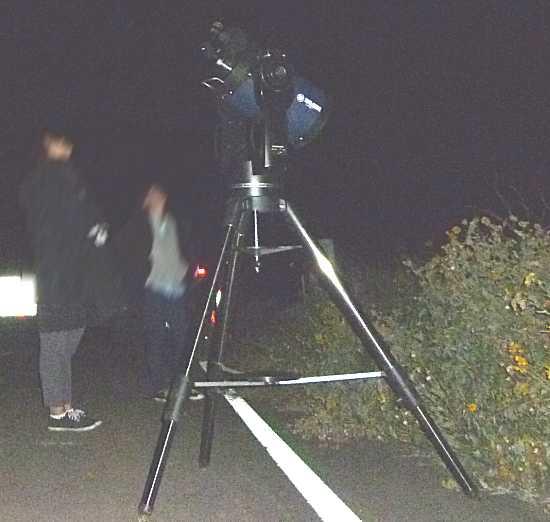 天体望遠鏡で土星鑑賞