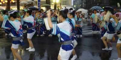 阿波踊り 雨天 新町演舞場