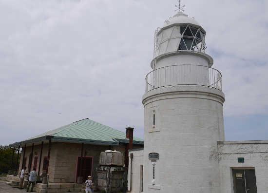 友が島 灯台