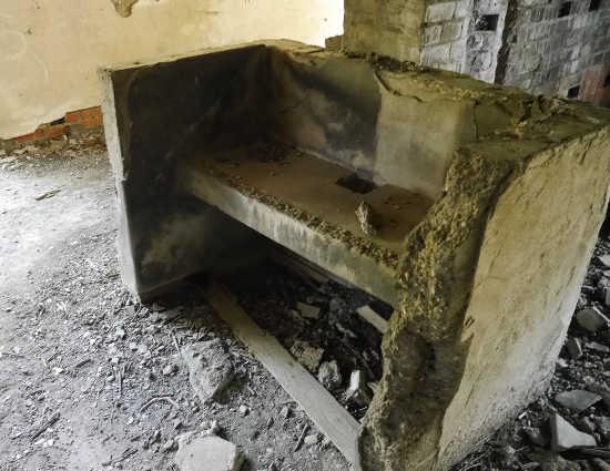 廃墟キッチン
